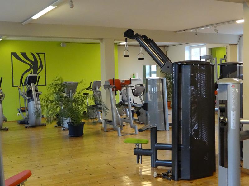 fitnessstudio physiodomus krafttraining und. Black Bedroom Furniture Sets. Home Design Ideas